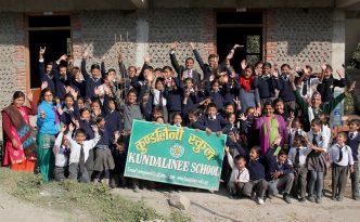 Schüler in Nepal, © Johannes Würzler