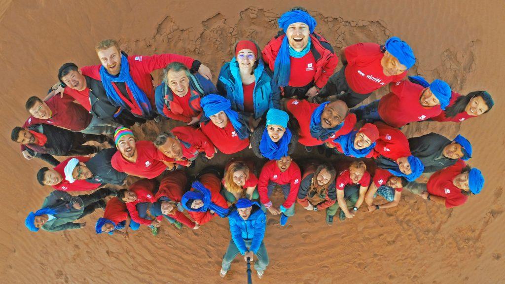 Touristiker aus 15 Nationen nahmen im MÄrz 2017 am internationalen Erfahrungsaustausch von Weltweitwandern in der marokkanischen Sahara teil. Foto © David Köhlmeier