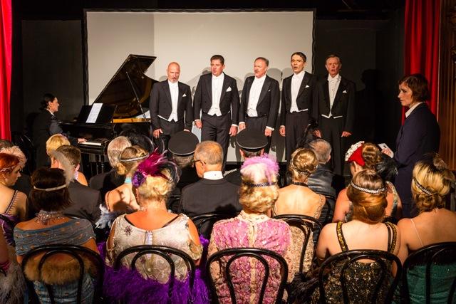 "Szene aus ""In der Barberina mit den Comedian Harmonists"", Foto: Robert Leitner/Kulturinitiative Kürbis"